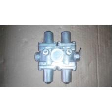Клапан защитный четырех контурный  МАЗ 100-3515410